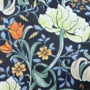Tissu ethnique fleurs chic