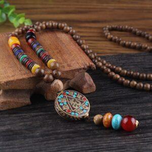 collier ethnique ancien