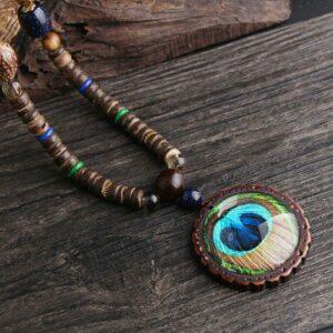 collier ethnique de perles