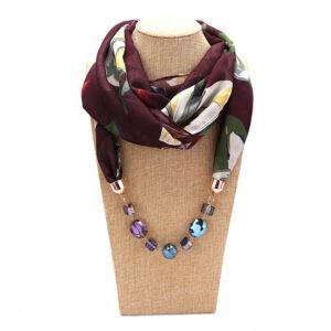 Foulard ethnique pendentif chic cool