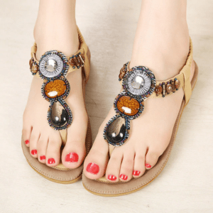 Sandale ethnique pierre beige chic