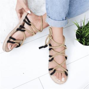 sandale ethnique lacet noir chic