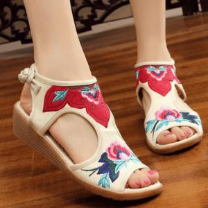 Sandale ethnique à fleur